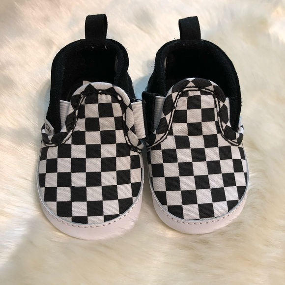 9ae51af4244e69 Vans Infant checker slip on sneakers. M 5afdb85a72ea8827ba6c6911